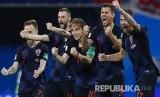 Selebrasi pemain timnas Kroasia yang berhasil lolos ke semifinal  Piala Dunia 2018 pada pertandingan perempatfinal di Stadion Sochi, Ahad (8/7) dini hari WIB.