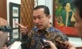 Ketua Komnas HAM Ahmad Taufan Damanik saat memberikan keterangan kepada wartawan di Cikini, Jakarta Pusat, Jumat (19/10).