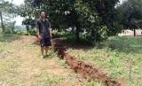 Pergeseran tanah (foto ilustrasi). Dua daerah di wilayah Kabupaten Bekasi rawan mengalami pergeseran tanah.