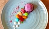 Hotel Sahid Jaya Solo merilis paket promo terbaru, bertajuk Cake Milenials Blueberry Chicoust Cream Cake di Ratu Raih Restaurant. Cake Milenials dibanderol dengan harga Rp 45 ribu.