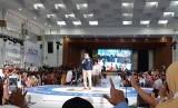 Calon wakil presiden nomor urut 02 Sandiaga Salahudin Uno memberikan keynote speech di acara festival kewirausahaan bertajuk Sragen Young Entrepreneur Summit (YES) 2019 di Gedung Sasana Manggala Sukowati, Kabupaten Sragen, Jawa Tengah, Ahad (24/3).