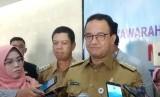 Gubernur DKI Jakarta Anies Rasyid Baswedan di Kantor Walikota Jakarta Barat, Selasa (26/3).