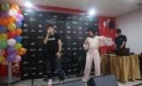 Rapper perempuan Indonesia, Ramengvrl berkolaborasi dengan rapper yang juga personel RAN, Rayi Putra dalam peluncuran mixtape 'No Bethany' karya Ramengvrl, Selasa (24/4).