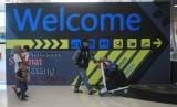 Jabar Simulasi Keberangkatan Jamaah dari Embarkasi Bekasi. Sejumlah penumpang berada di Bandara Kertajati, Majalengka, Jawa Barat.