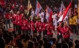 Kontingen Indonesia berdefile pada pembukaan ASEAN Schools Games Tahun XI 2019 di Holy Stadium Terang Bangsa School, Semarang, Jawa Tengah, Kamis (18/7/2019).