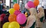 Rumah Sakit PKU Muhammadiyah Solo menggelar pojok edukasi sehat bertema Mengenal Hepatitis A dalam rangka Hari Anak Nasional, di selasar Ruang Rawat Inap Anak Arofah, Selasa (23/7).