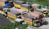 Sejumlah angkutan barang (ilustrasi)