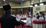 Sambutan Direktur Jenderal Penyelenggara Haji dan Umrah Nizar Ali memberikan sambutan pada acara Malam Apresiasi Haji, di Jeddah. Sebanyak 39 mitra penyelenggaraan haji diberikan penghargaan dari PPIH Arab Saudi atas terselenggaranya kerja sama yang baik pada musim haji.