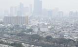 Kabut polusi udara menyelimuti kawasan Jakarta, Selasa (8/10/2019).