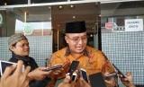Tasikmalaya Terus Data Warga Terdampak Wabah Corona . Wali Kota Tasikmalaya Budi Budiman saat diwawancara wartawan.