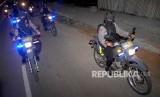 Personel kepolisian berpatroli. Ilustrasi