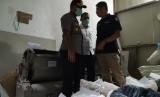 Berbagai alat produksi dan bahan baku narkotika jenis PCC disita BNN, Rabu (27/11). Barang-barang itu akan dijadikan barang bukti terkait produksi dan peredaran narkotika di Kecamatan Kawalu, Kota Tasikmalaya, Rabu (27/11).
