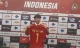 Penandatanganan kontrak dilakukan Ketua Umum PSSI, Mochamad Iriawan dan paltih baru Timnas Indonesia, Shin Tae-yong di Stadion Pekansari Bogor, Sabtu (28/12)
