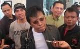 Politikus PDI Perjuangan yang juga anggota DPR RI Adian Napitupulu saat diwawancarai wartawan di kawasan Tebet, Jakarta Selatan, Ahad (19/1).