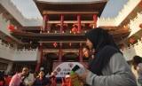 Duta Besar China untuk Indonesia, Xiao Qian mengatakan, pandemi virus corona berdampak pada hubungan kerja sama ekonomi dan perdagangan dengan Indonesia. Pandemi virus tersebut telah membuat beberapa acara yang sudah direncanakan oleh kedua negara terpaksa dibatalkan.
