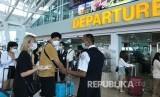 Angkasa Pura diminta mengedepankan produk lokal di bandara yang jadi etalase bangsa (Foto: suasana bandara)