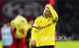 Pemain Borussia Dortmund Erling Haaland kecewa setelah timnya kalah dari  tim tuan rumah Bayer Leverkusen dengan skor 3-4 pada laga pekan ke-21 Bundesliga Jerman di BayArena, Ahad (9/2) dini hari WIB.