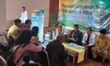Suasana penandatanganan kerja sama Rumah Sakit Islam Bogor (RSIB) dengan 58 mitra kerja, di Hotel Papyrus, Kota Bogor, Kamis (20/2). Penekenan kerja sama ini merupakan upaya RSIB menuju rumah sakit bersyariah pada 2025