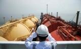 Pemindahan LNG milik PGN di sebuah terminal LNG di Jakarta (illustration)