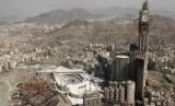 Daftar Istilah dan Singkatan Haji - Umrah dari Huruf M. Foto: Abraj al Bait di Makkah