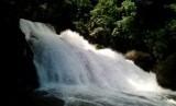 Air terjun Bantimurung di kawasan TN Bantimurung Bulusaraung