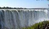 Air terjun Victoria di Afrika turun 100 meter ke permukaan bumi (Ilustrasi)