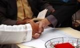 Rasulullah SAW memberikan kepada pemuda yang ingin menikah. Akad nikah (ilustrasi)