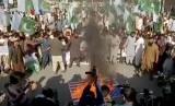Aksi bakar bendera AS di Pakistan