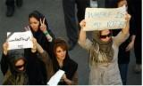 Aksi unjuk rasa perempuan Iran di New York, Amerika Serikat.