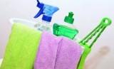 Alat pembersih rumah tangga.