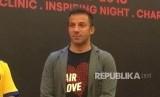 Alessandro Del Piero, legenda sepak bola italia tiba di kota Medan, Kamis (17/5). Kedatangan mantan pemain Juventus ini untuk mencari pemain berbakat yang akan dibina menjadi pemain bola profesional di Belgia.