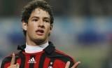 Alexandre Pato masih berharap bisa membela AC Milan.