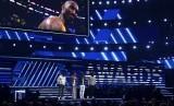 Alicia Keys bersama Boyz II Men membawakan lagu sebagai Tribute to Bryant di panggung Grammy, Senin (27/1), di Staples Center Los Angeles.