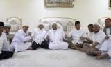 Amien Rais dan Prabowo Subianto bertemu Rizieq Shihab di Makkah.