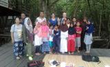 Anak-anak di Kampung Inggris Mangrove Center Graha Indah, Balikpapan Utara.