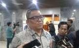 Anggota Bawaslu Fritz Edward Siregar di Kompleks Parlemen Senayan, Jakarta, Selasa (28/8).