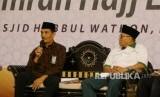 Anggota Dewan Kehormatan Amphuri, Budi Firmansyah dan Kasi Pembinaan Haji dan Umrah Kanwil Kemenag NTB, Lalu Muhammad Zainuddin saat diskusi di Lombok Umrah dan Haji Expo 2018 di Kompleks Islamic Center NTB, Kamis (17/5).