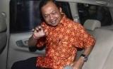 Anggota Komisi X DPR RI Fraksi PDI Perjuangan, I Wayan Koster usai diperiksa penyidik Komisi Pemberantasan Korupsi (KPK), Jakarta, Selasa (2/9). (Republika/Agung Supriyanto)
