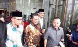 Anggota MKD DPR usai memeriksa Setya Novanto di Gedung KPK, Jakarta, Kamis (30/11)