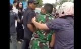 Anggota TNI berkelahi dengan seorang pria yang diketahui juga merupakan cucu mantan pejabat TNI.