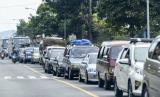 Sekitar 2.000 pekerja migran asal Indramayu diperkirakan akan mudik menjelan Ramadhan tahun ini. Foto suasana atrean kendaraan pemudik  (ilustrasi)