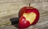 Ada beragam faktor yang dapat membuat seseorang mengalami kegagalan saat berdiet untuk menurunkan berat badan (Ilustrasi buah apel untuk diet)