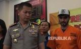 Artis Fachri Albar ditangkap akibat kedapatan miliki beberapa jenis narkoba, Rabu (14/2) pukul 07.00 WIB di kediamannya di Cirendeu, Jakarta Selatan.