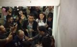 Atiqah Hasiholan memenuhi panggilan penyidik Polda Metro Jaya Selasa (23/10)