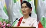 Aung San Suu Kyi dijadwalkan membela Myanmar di Pengadilan Dunia pada Rabu (11/12). Ilustrasi.