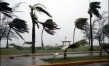 Layanan cuaca Inggris Met Office telah meningkatkan tingkat ancaman Badai Dennis (Foto: ilustrasi badai)