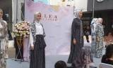 Baju-baju muslim karya Itang Yunasz