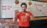 Bams menghadirkan restoran yang menawarkan menu rendah kalori yang ia beri nama Fit Lo-Kal