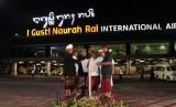 Bandara Internasional I Gusti Ngurah Rai resmi menambahkan aksara Bali melalui pemasangan signage di sejumlah area.  PT PP menjadi kontraktor untuk perluasan apron Bandara Ngurah Rai dengan nilai kontrak Rp 1,36 triliun.