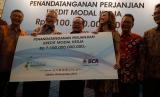 BCA menyalurkan kredit kepada Grup Pupuk Indonesia senilai Rp 7,1 triliun.